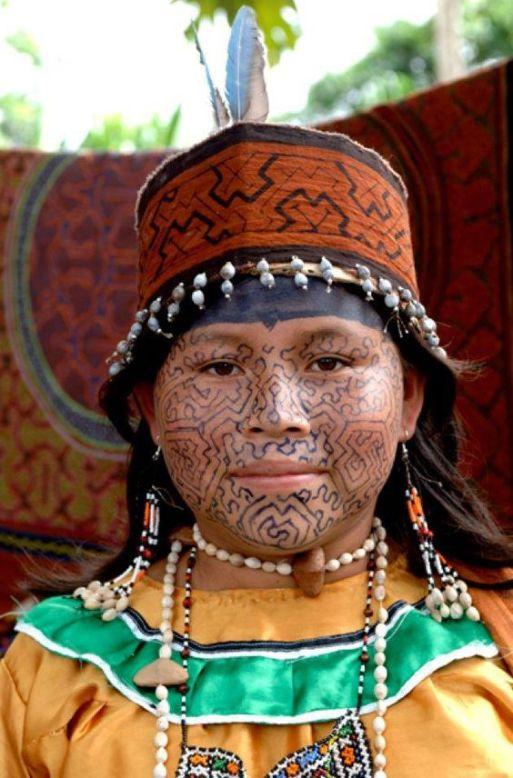 Native Shipibo-conibo, région d'Ucayali, Nord Est du Pérou.