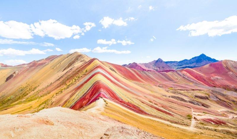 La montagne Vinicunca, (Rainbow Mountain)