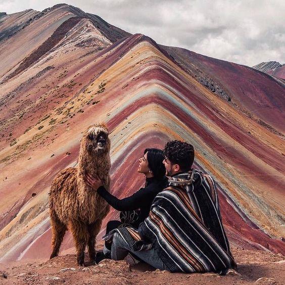 Montagne Vinicunca ou montagne arc en ciel, région de cusco