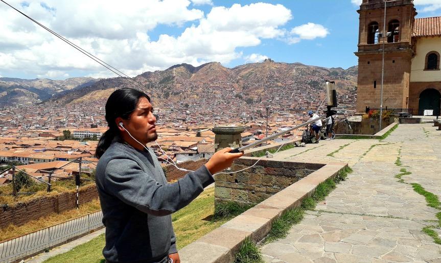 Juan de l'agence TrekkInca pendant une visite live de Cusco.